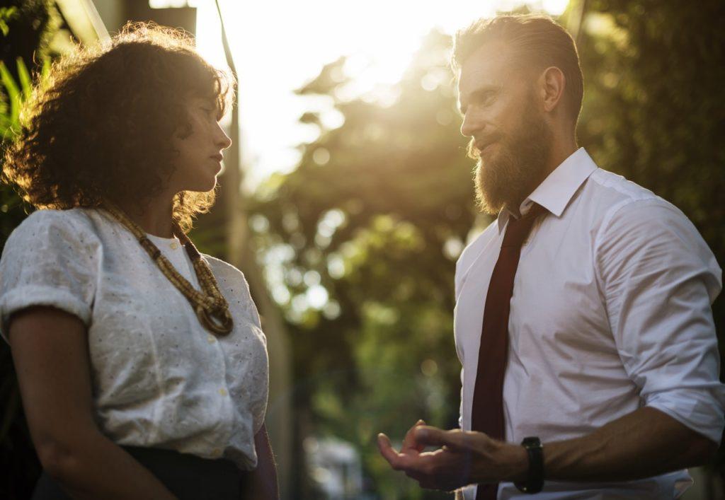 Konsekutywne i symultaniczne tłumaczenie ustne - ogólne reguły i różnice